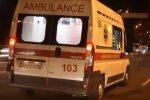 Агрессивная мать избила врача скорой из-за ребенка: семья молча стояла в стороне