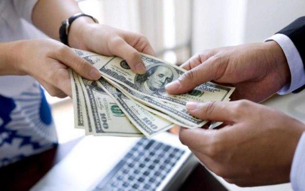 Курс на 30: доллар еще покошмарит украинцев