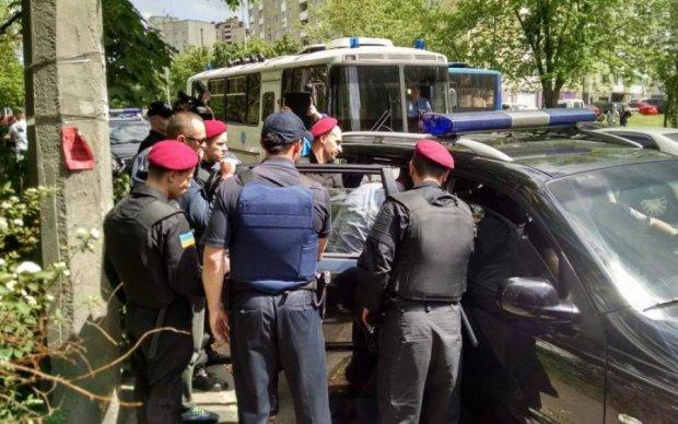 Центр Киева всколыхнул мощный взрыв: есть пострадавшие