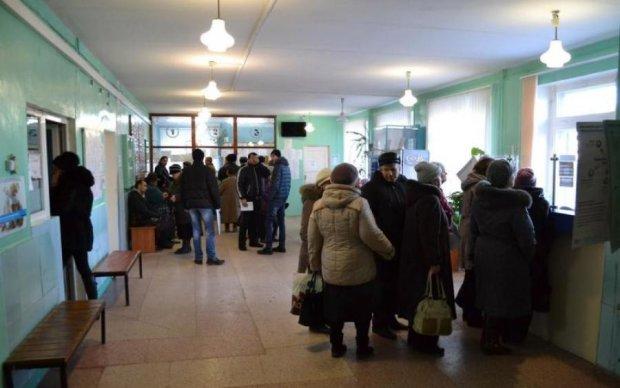 Медведчук: доступне медичне обслуговування залишилося в минулому