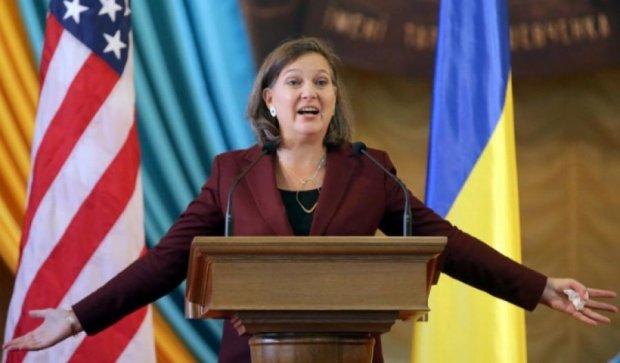 Нуланд обговорить у Києві виконання Мінських домовленостей