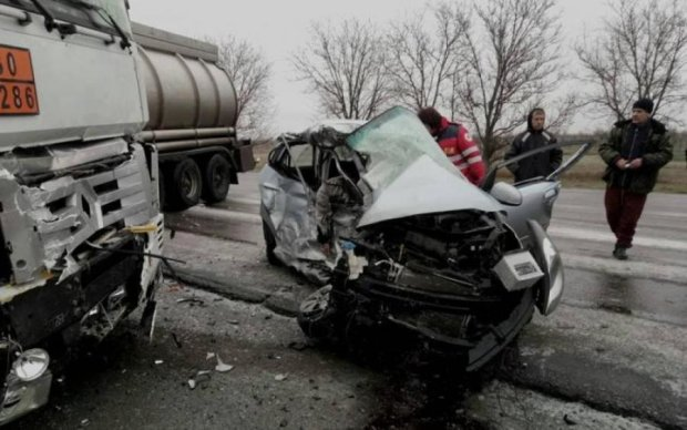 Шестеро ранены: автомобильное месиво шокировало спасателей