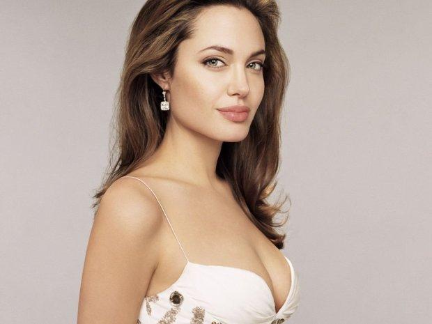 Анджелина Джоли впервые рассказала, как воспитывает детей: они должны быть непослушными