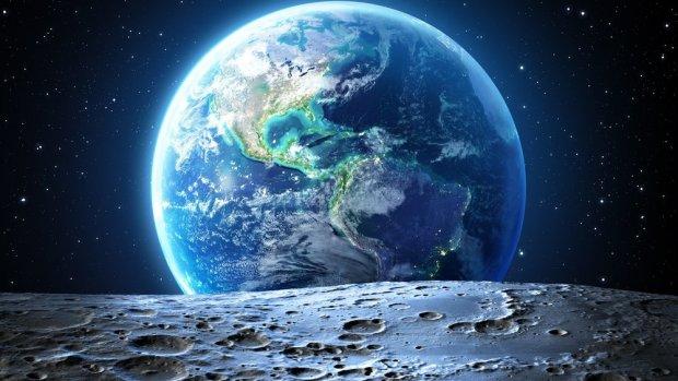В кратере Луны обнаружили базу пришельцев: NASA снова обмануло человечество