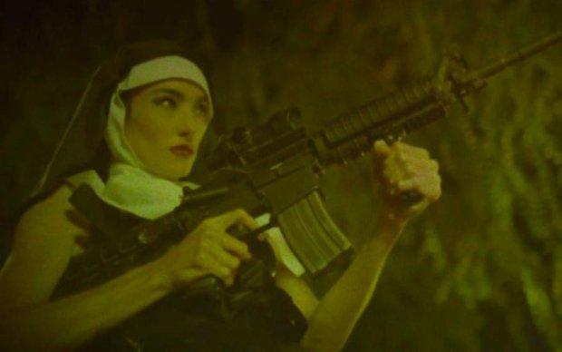 Менсон заставив монашок стріляти та жорстоко знущатися над жертвами