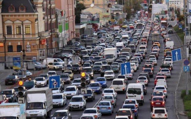 Киевлянам ограничат движение транспорта: график