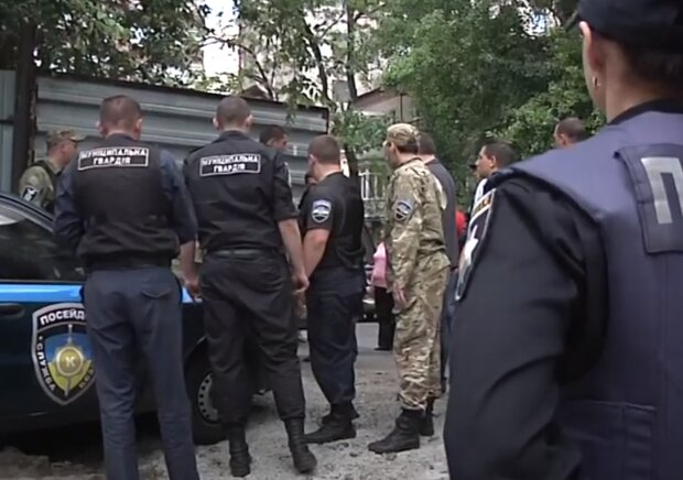 """Хмельниччанка віддала 17 тисяч за """"віртуальну"""" шубу - продавець розчинився в мережі"""