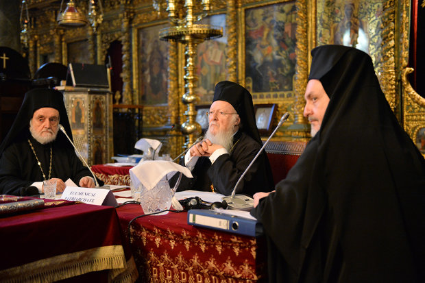 Томос наш! Константинополь утвердил устав Украинской независимой церкви