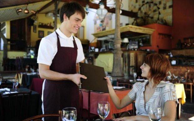 Знайте самі і розкажіть друзям: як ресторани змушують вас витрачати більше