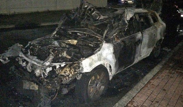 У Києві за добу згоріли чотири авто (фото)