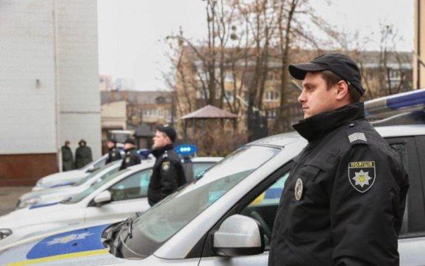 Повну вантажівку трупів затримали під Києвом: фото 18+