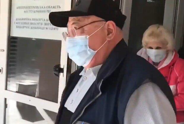 Родители Зеленского на местных выборах фото: кадр из видео