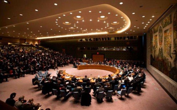 """Щось задумує: """"миротворець"""" Путін зліпив власний проект для ООН"""