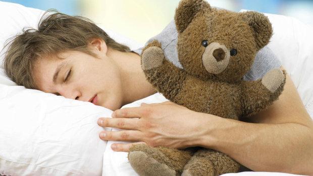 Заснуть легко и сладко: медики рассказали о самых действенных методах