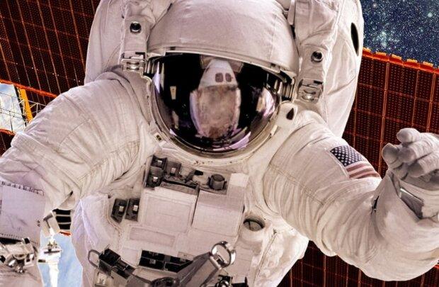 Астронавт показала, как моет голову в открытом космосе: слабонервным не смотреть