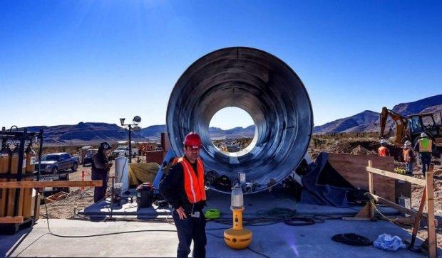 Маск показав надзвуковий тунель для Hyperloop