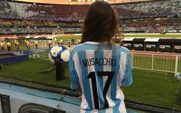Девушка аргентинского футболиста может вызвать настоящий фурор в Милане