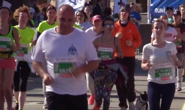 марафон,скриншот из видео