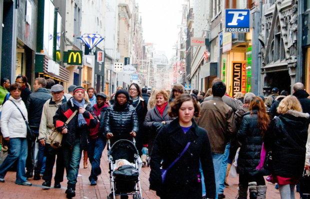 От европейцев не останется ничего: ученые рассказали, как будут выглядеть люди в ближайшем будущем