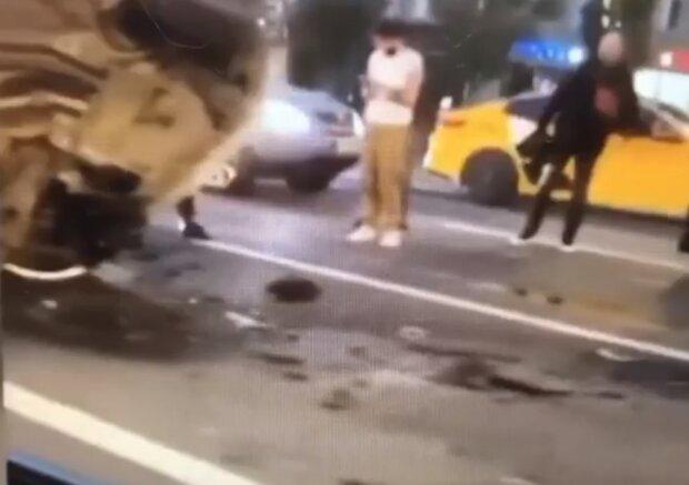 Ефремов мог быть пассажиром в смертельном ДТП, запись с нового ракурса показывает все в другом свете
