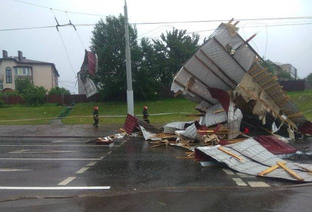 Дніпропетровщина в полоні стихії: сотні людей залишилися без даху і світла, кадри постапокаліпсису