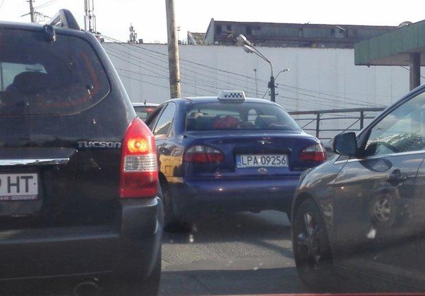 Евробляхеры придумали новую схему, как ездить на нерастаможенных авто вполне законно
