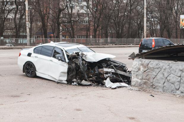 """""""Тільки пішов у перший клас"""": у страшній аварії під Києвом загинув хлопчик, неможливо стримати сльози"""