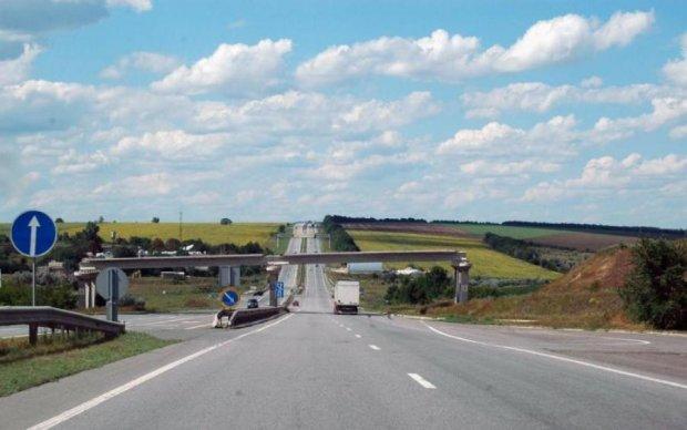 Платные дороги: украинцам назвали расценки и условия