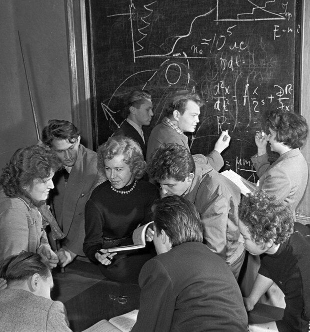 советские студенты, архивное фото news.mail.ru