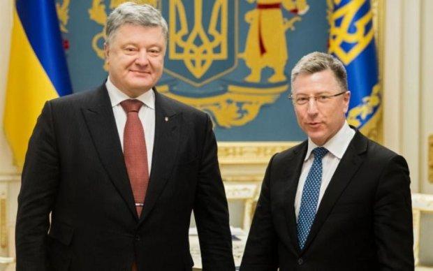 Порошенко обсудил с Волкером Донбасс и заложников