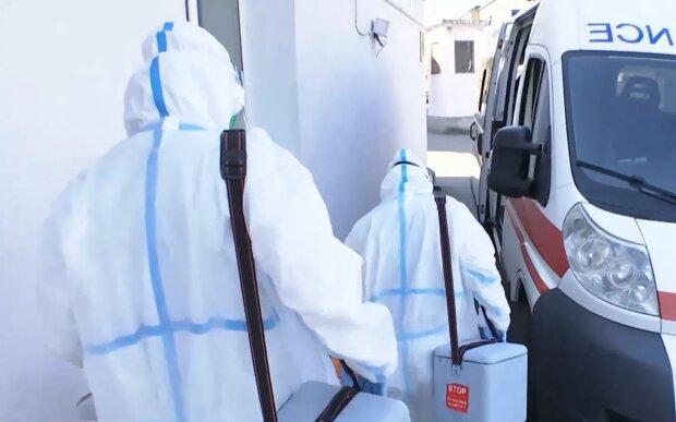 Лікарі під час пандемії, фото: кадр з відео
