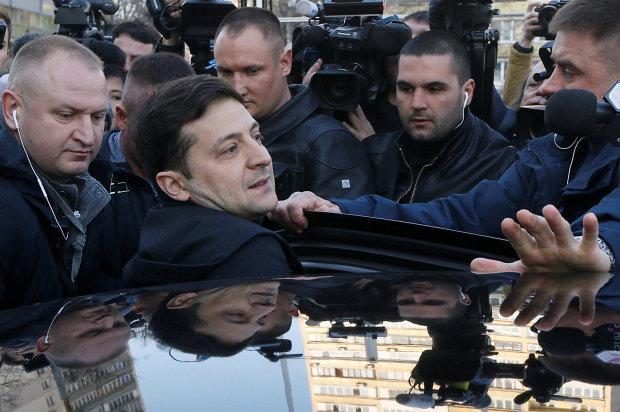 "Главное за ночь: ""атака"" на Зеленского, отмена субсидий и предупреждение от ПриватБанка"