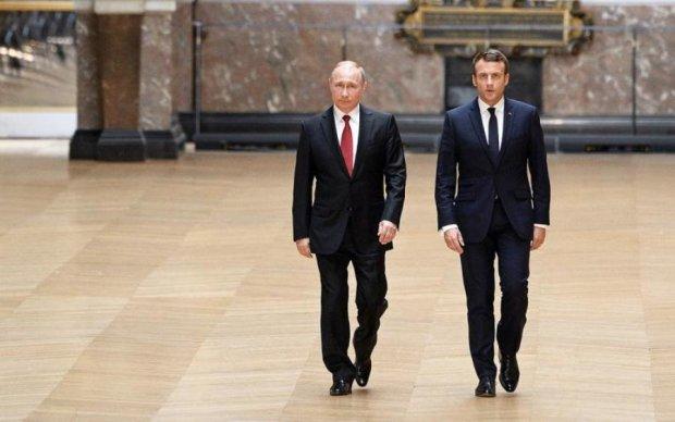 Макрон жорстко пригрозив Путіну