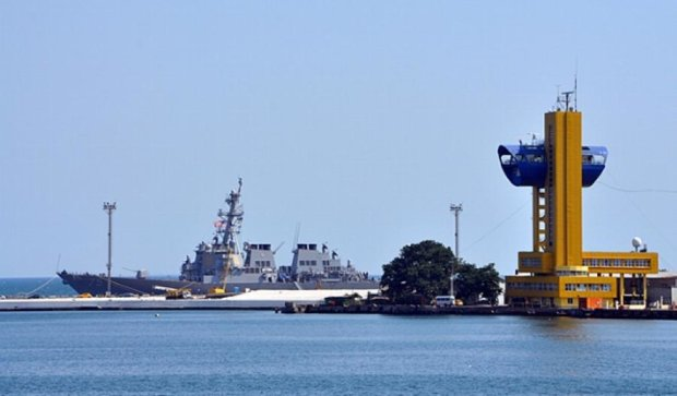 Український фрегат та американський есмінець прибули на Sea Breeze (фото)