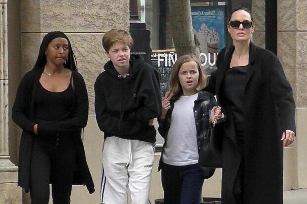 """Донька Джолі з'їхала від мами і все більше """"косить"""" під хлопчика: викапаний Бред Пітт"""