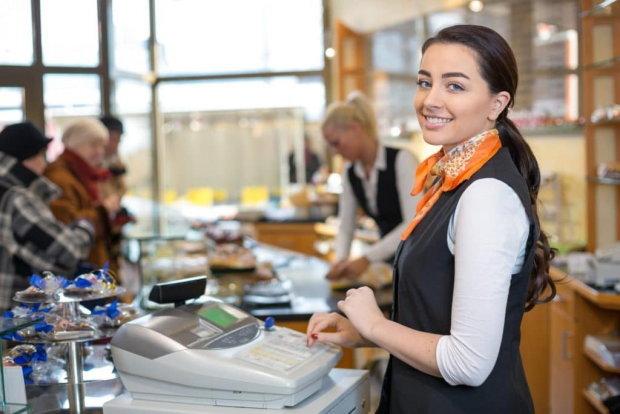 Безготівкова кара вже наступає: магазини змусять працювати нормально, українцям полегшать життя