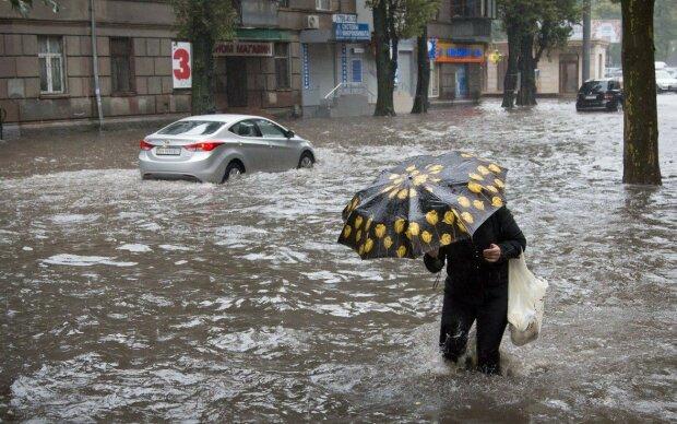 Люта стихія рознесла десятки будинків на Одещині, люди ридають на руїнах: кадри із самого пекла