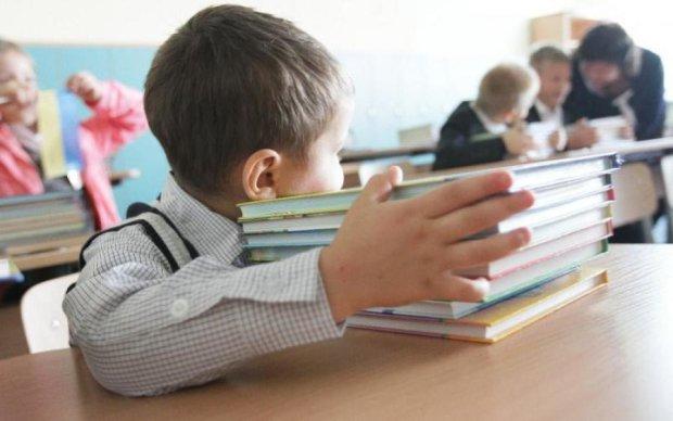 Українські школярі залишилися без підручників до 1 вересня, в Міністерстві освіти визнали повний провал