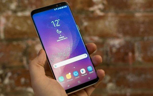 Samsung знову оконфузився зі своїм флагманом