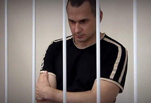 Сенцова катували і били у в'язниці - адвокат