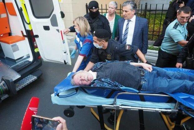 Ефремов попал в больницу, фото из российских СМИ