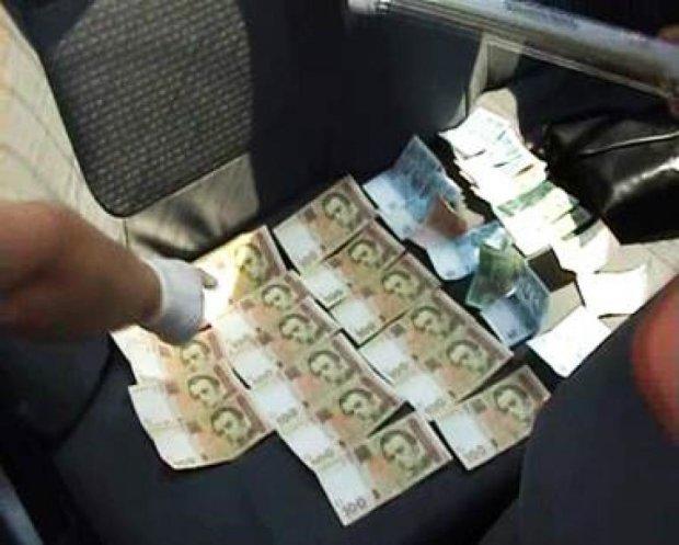 Активист в Ровно за 11 тысяч гривен отмазывал от армии