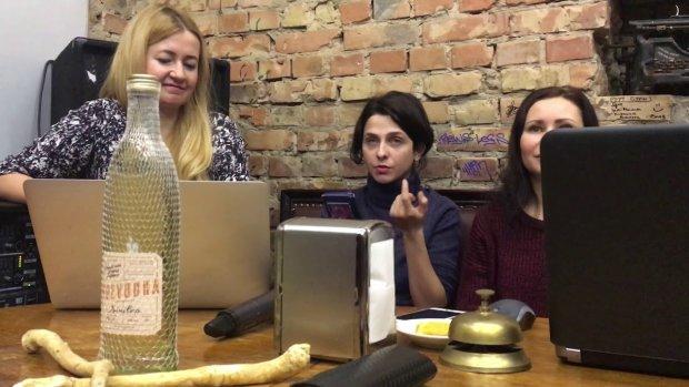 """В Украине выдали """"Золотой Хрен - 2018"""" за худшие постельные сцены в литературе: строки, от которых все опускается"""