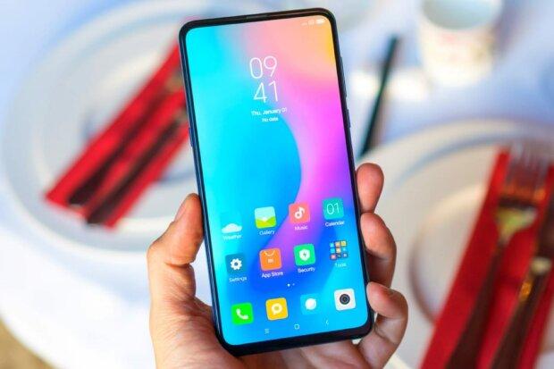 Xiaomi Mi 9 поразил красотой на живых фото: выглядит потрясающе
