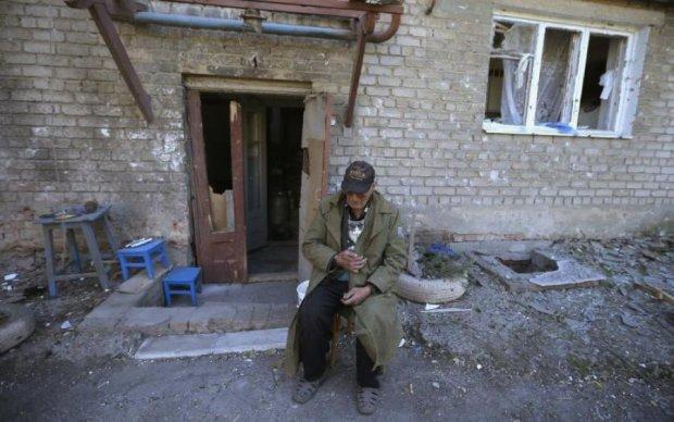 Любители отправлять гумпомощь разрушили Донбасс