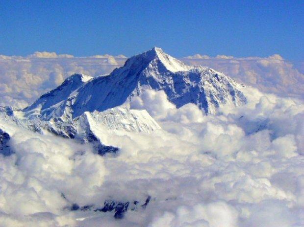 Китай может построить тоннель под Эверестом