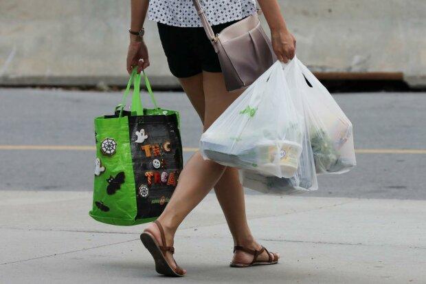 """""""Пакета з пакетами"""" більше не буде у вас на кухні: Рада рішуче вдарила по шкідливому пластику"""