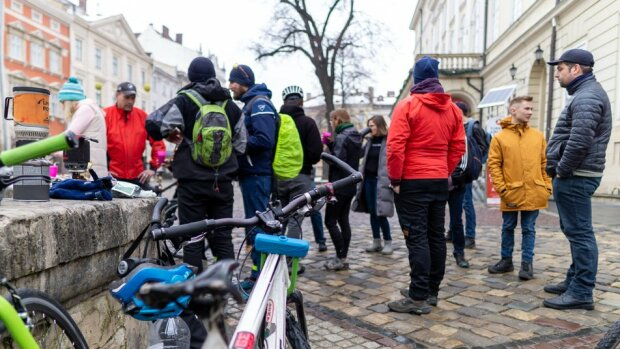 Десятки львів'ян одночасно осідлали велосипеди: Кличку, вчися