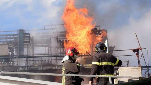 Вибухи, феєрверки і сльози: на піротехнічному заводі стався пекельний вибух, без жертв не обійшлося