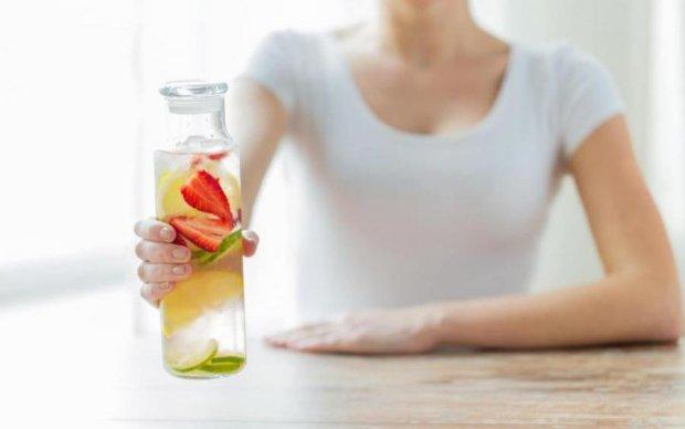 Спасение от жары: диетологи назвали лучшие летние напитки